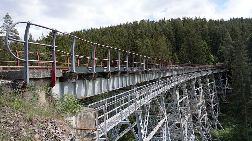 Ziemestalbrücke in reizvoller Landschaft