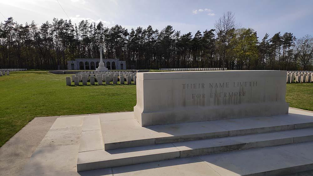 CGWC betreut Soldatenfriedhof