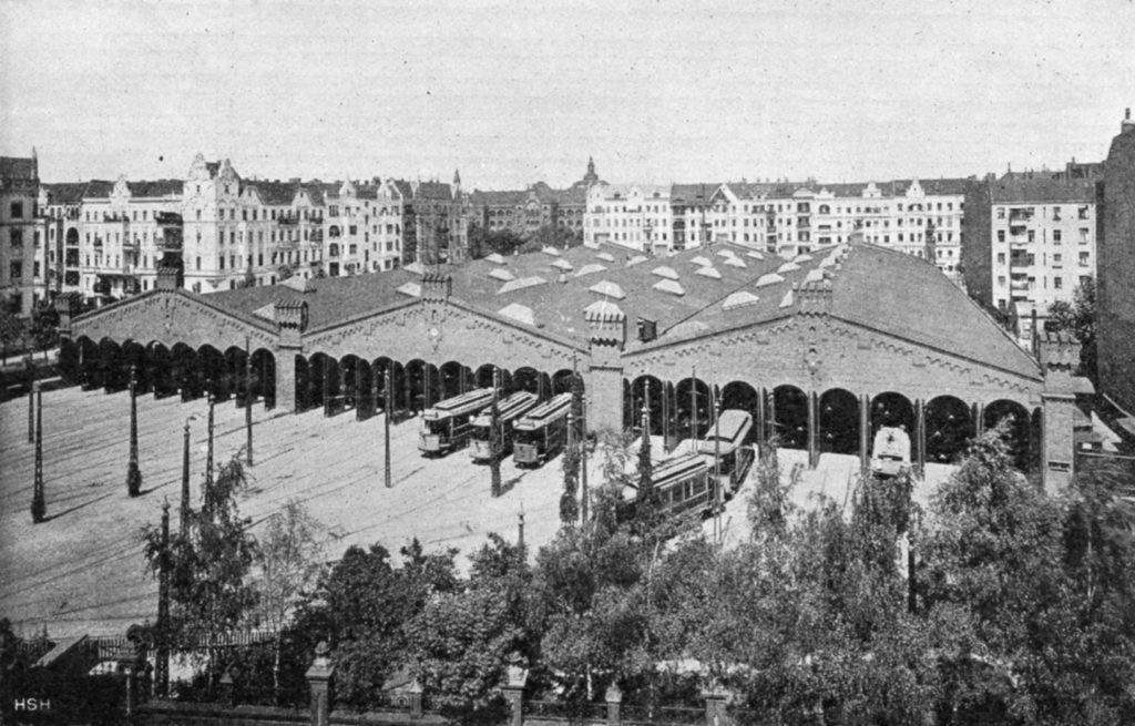 Vom Straßenbahndepot in Berlin-Schöneberg rückten im Jahr 1914 die Trams aus und ein.